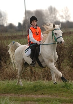 Ellie Harvey on Al Amik - Carr Side 16th April 2006 - click for larger picture