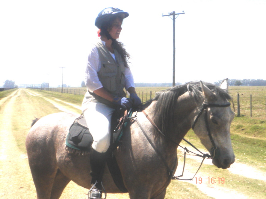 Paola Albertazzi at an endurance ride in Argentina